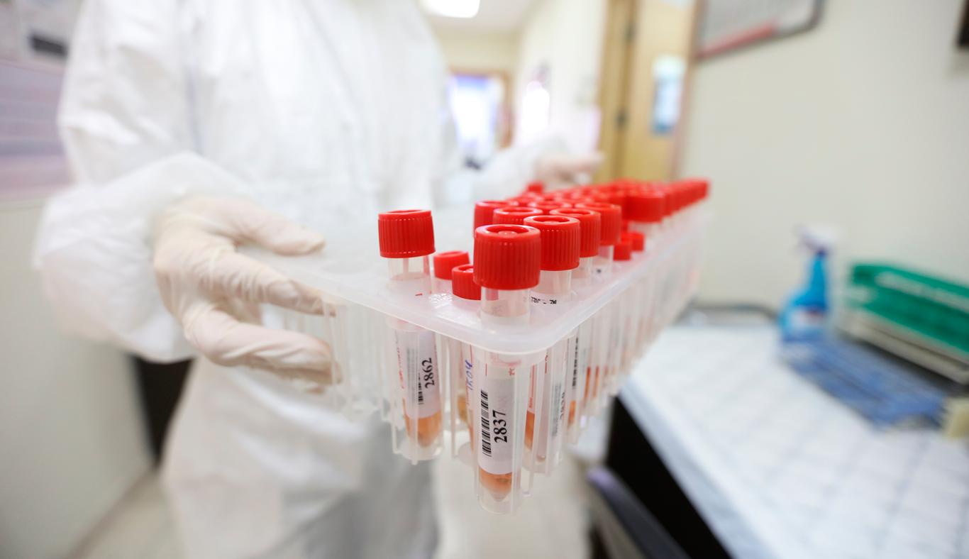 """17 وفاة و1968 إصابة جديدة بفيروس """"كورونا"""" و1956 حالة تعاف خلال الـ24 ساعة الماضية"""
